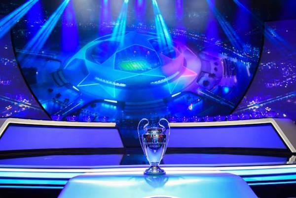 画像:UEFA Champions League Trophy