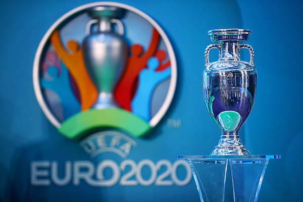 画像:延期が発表された EURO 2020