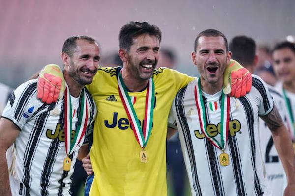 画像:ブッフォン、キエッリーニ、ボヌッチの3選手