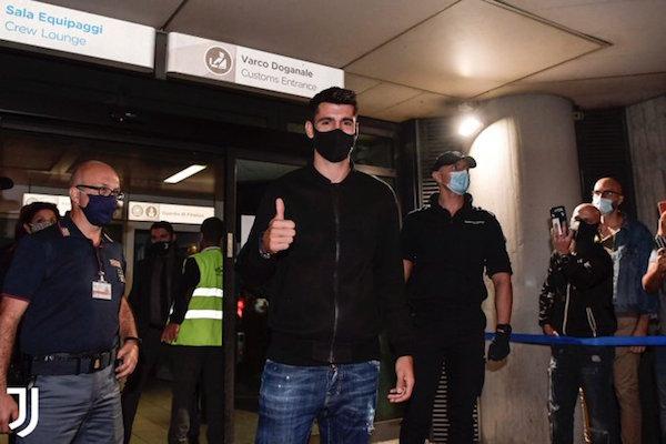 画像:トリノに到着したモラタ