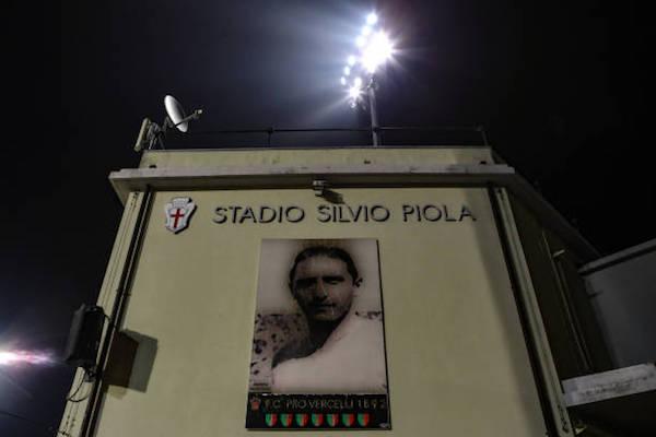 画像:プレーオフ・グループ2回戦の試合会場:ベルチェッリのスタディオ・シルビオ・ピオラ