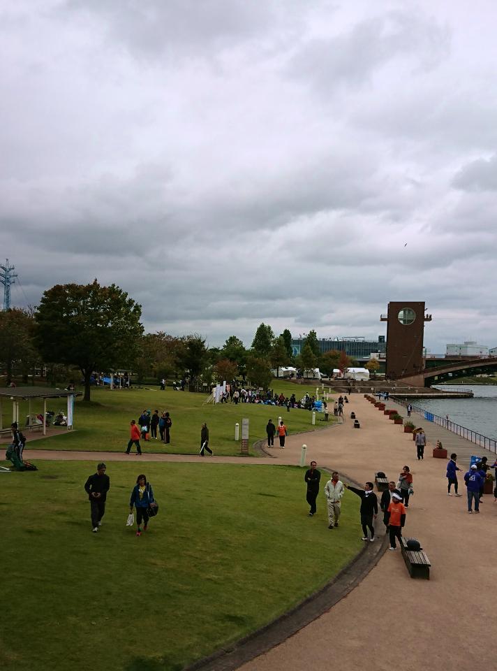 マラソン終了後の環水公園