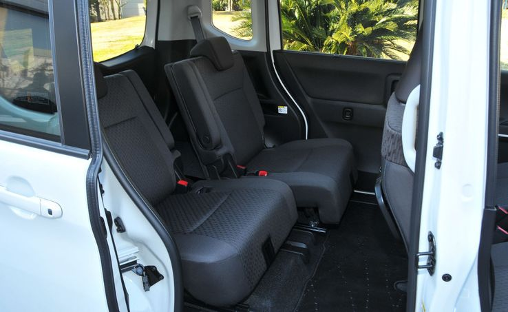 軽自動車のスライドドアはパワースライドドアを選ぶと、快適さがまったく違う
