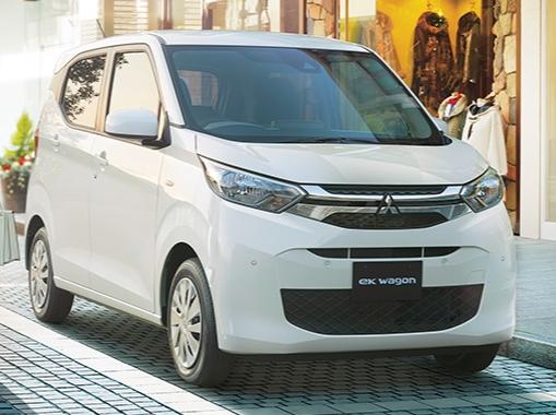 eKワゴンに採用されるパワートレインは、660ccの直列3気筒ガソリンエンジン+CVTの1種類です。