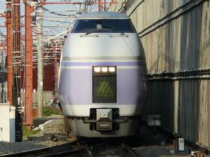 武蔵小金井 E351系
