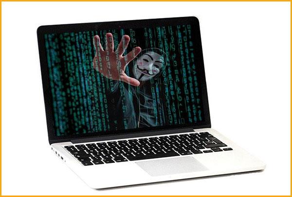 ノートパソコンに潜んでいる詐欺プログラム
