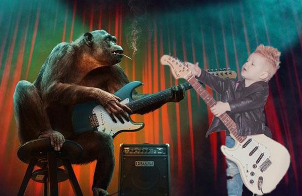 モンキーと子供ギターリスト