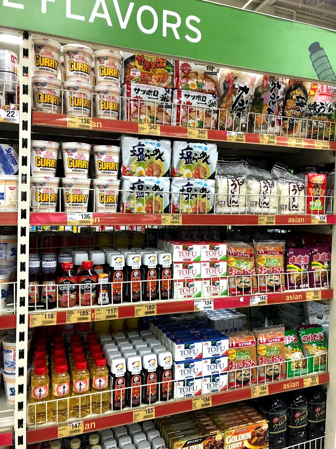 スーパーには日本食もたくさん