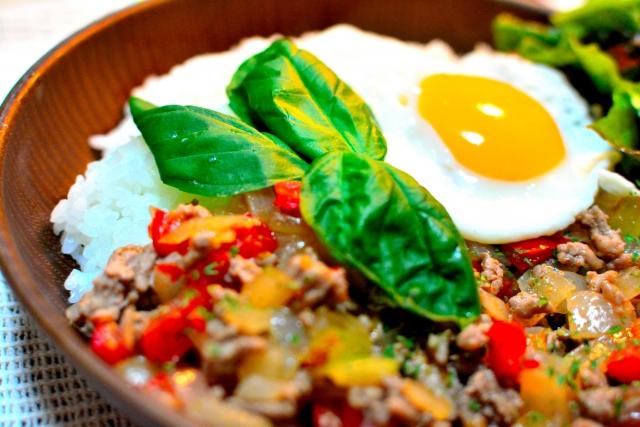卵料理、ガパオ