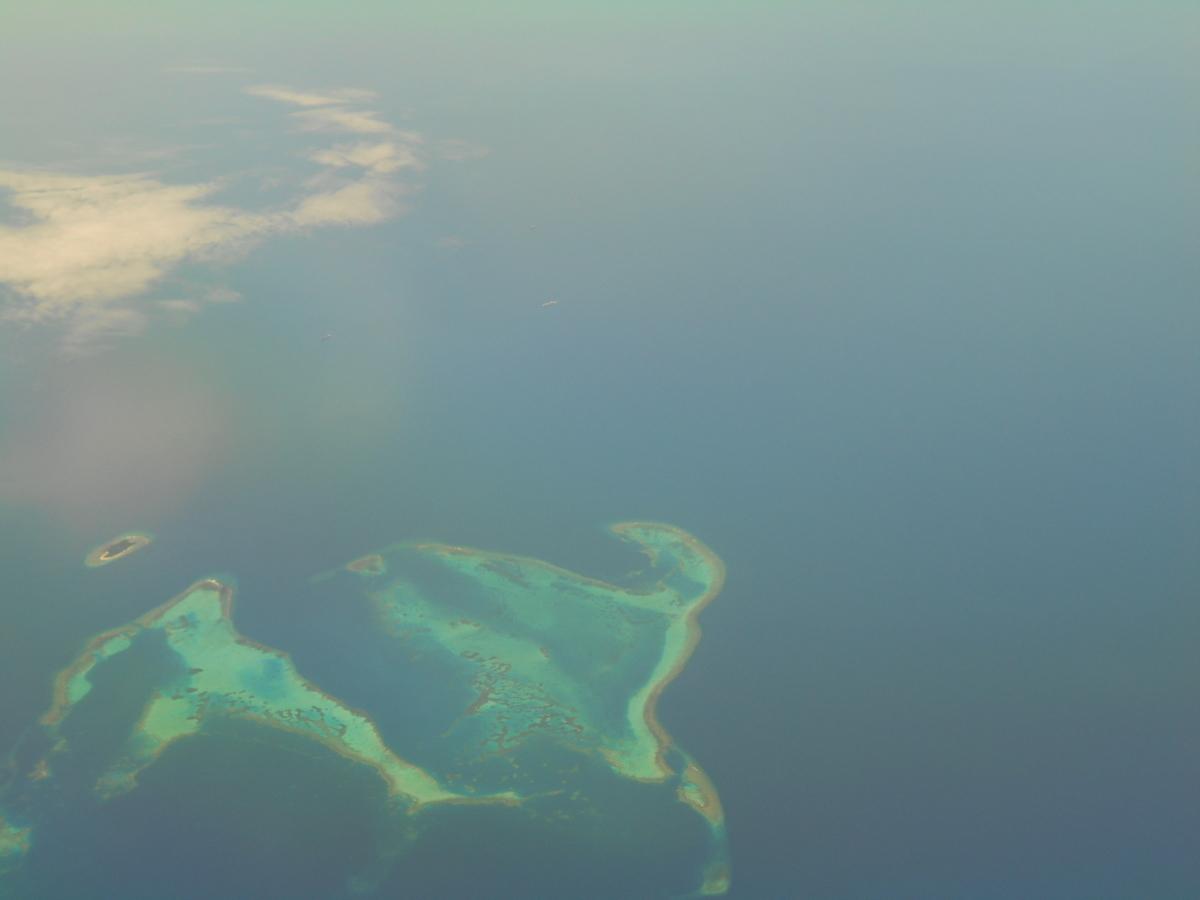 南の島々 サンゴ礁 航空写真