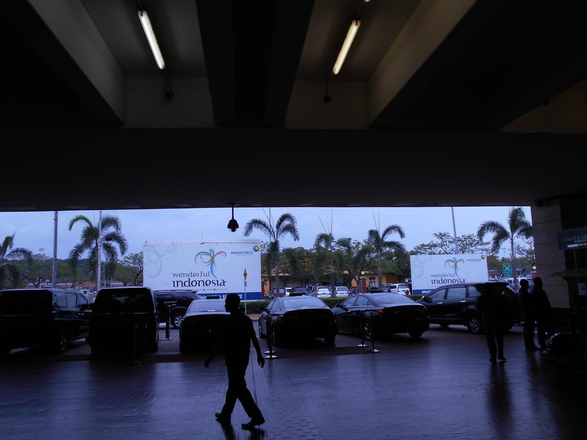 スカルノ・ハッタ国際空港 ロータリー
