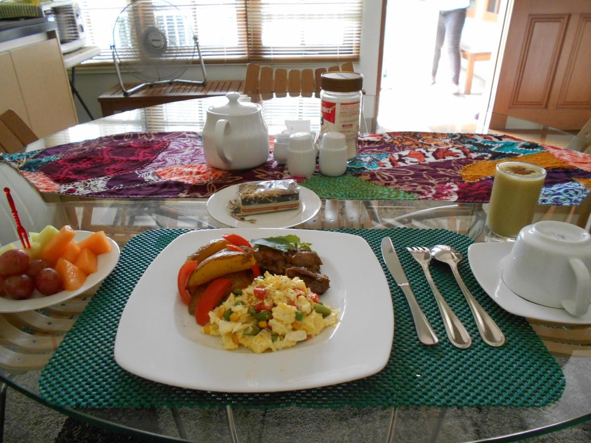 B&B Tomang breakfast jakarta