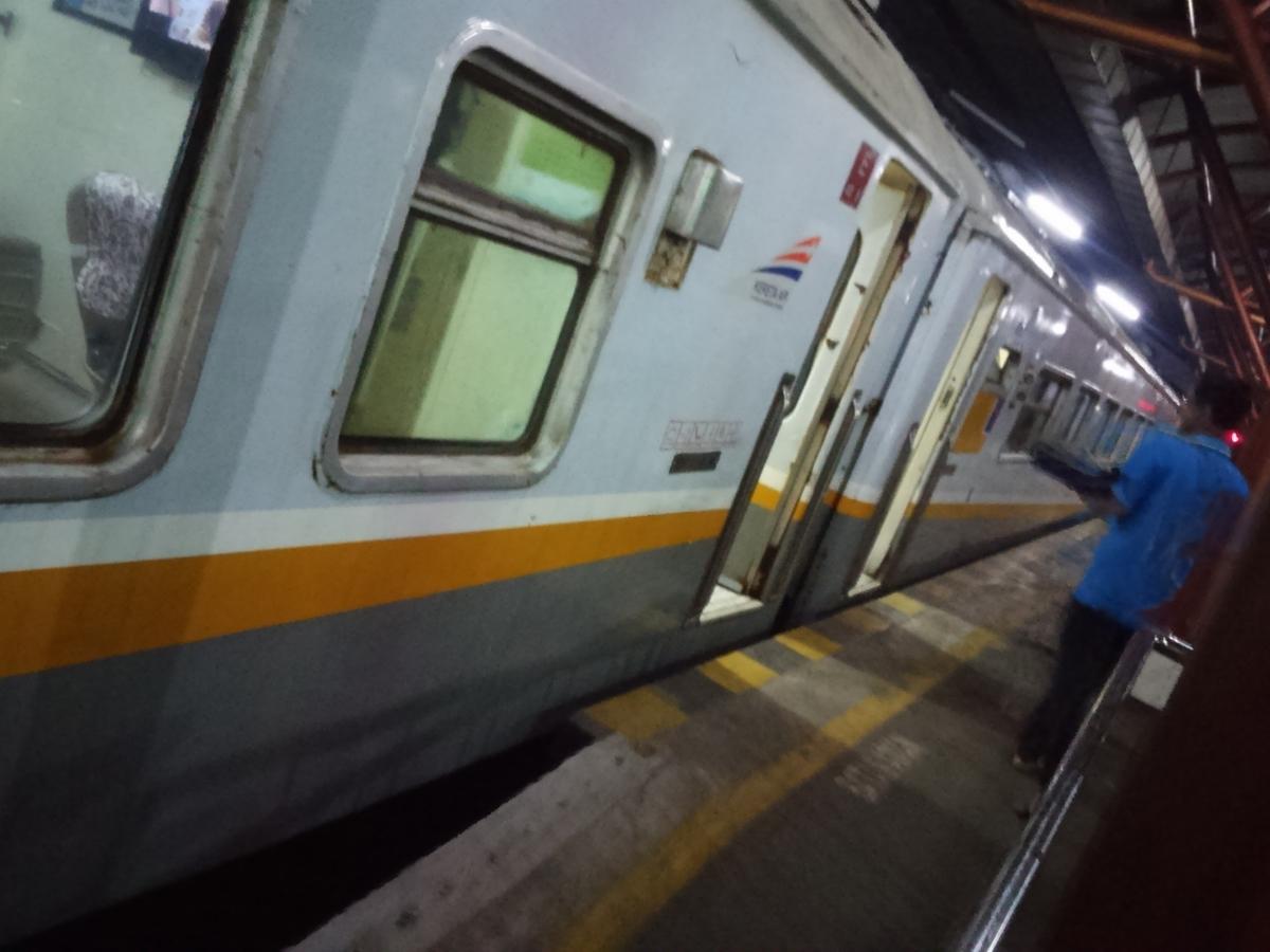 インドネシア 夜行列車