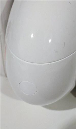 Huawei Freebuds 4i、Bluetooth接続ボタン