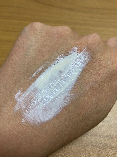 ヒフミド UVプロテクトベース 塗り始め
