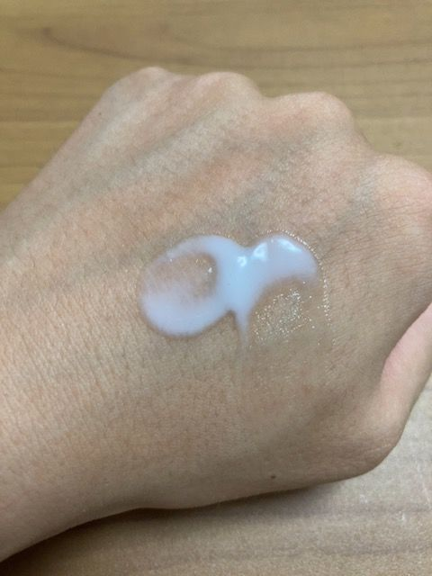 プレディア スパ・エ・メール ブラン コンフォール ミルク 塗り伸ばし