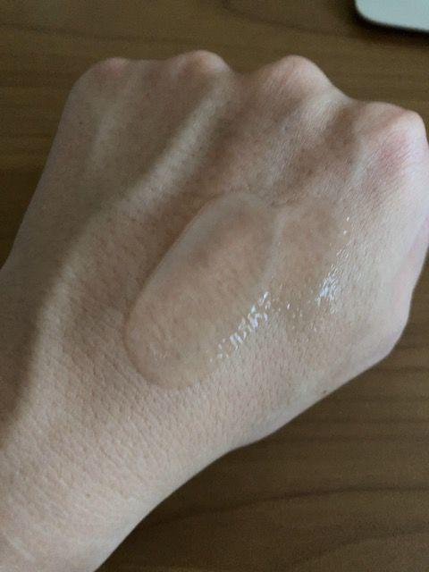 エトヴォス 薬用ホワイトニングセラム 塗り伸ばし