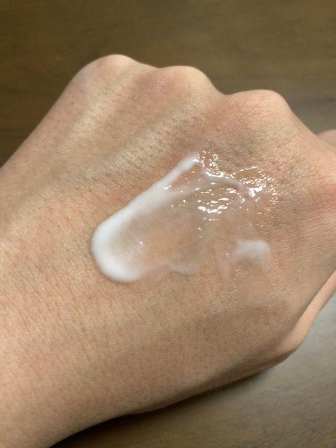コスメデコルテ リフトディメンションセラム 塗り伸ばし