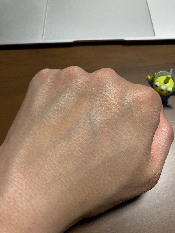 ビオレUV アクアリッチ ライトアップエッセンス 塗り伸ばし