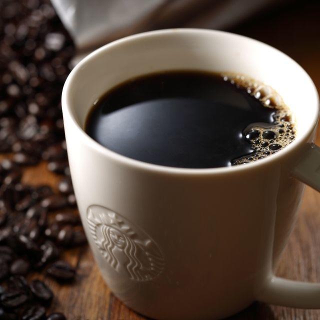 スタバでドリップコーヒーを楽しむ