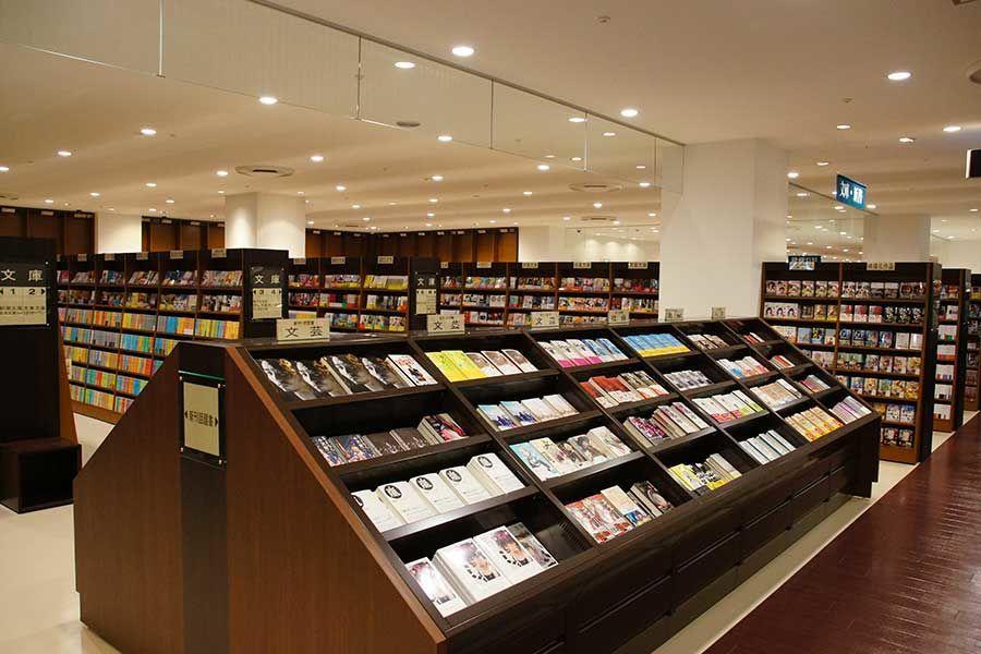 立川高島屋SC6Fにある本屋ジュンク堂書店