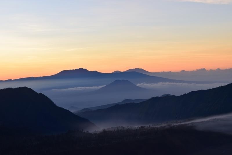ブロモ山朝日