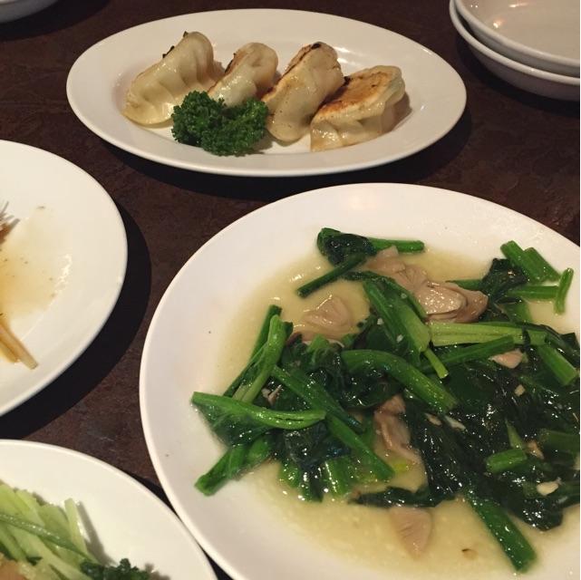 池袋 飲茶 季節の青菜炒め、焼ぎょうざ