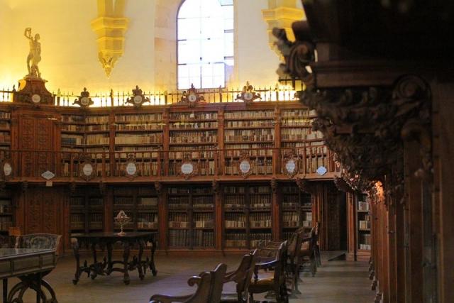図書館 イメージ