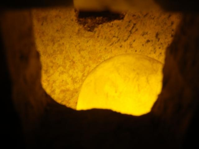 穴の中の光 イメージ 発掘