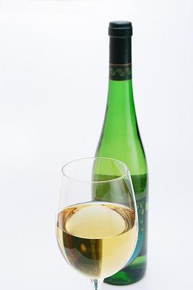 ワインとボトル