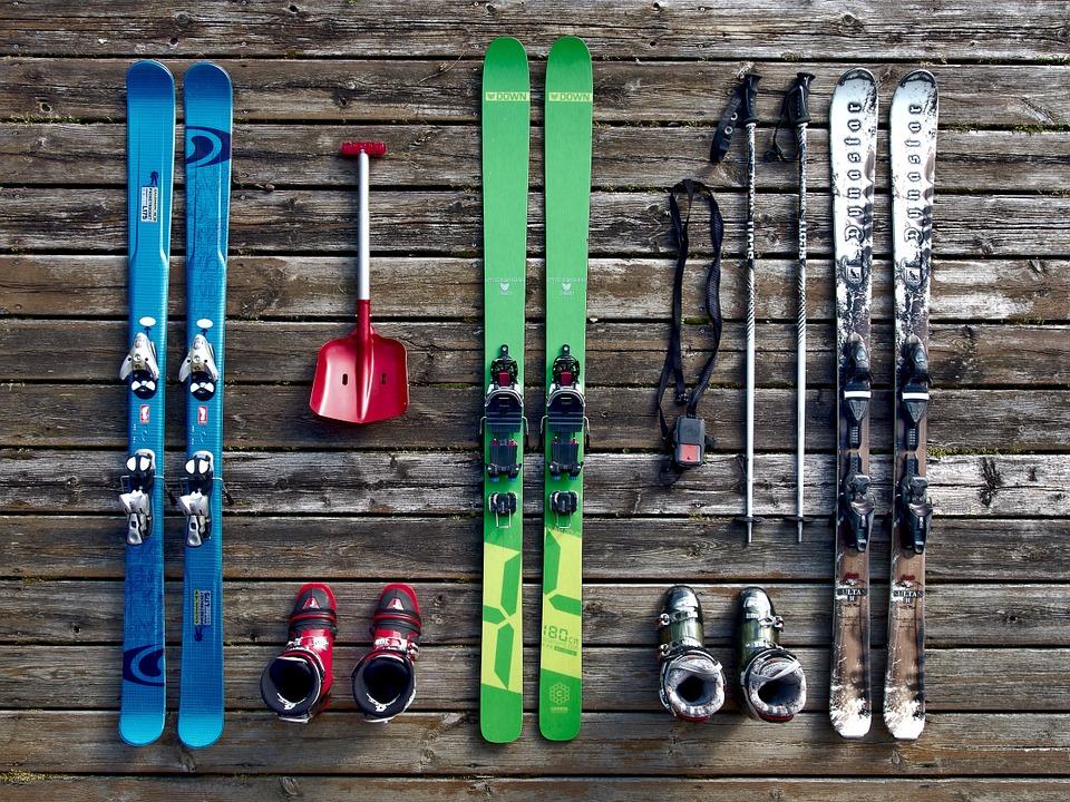スキー板、ブーツ