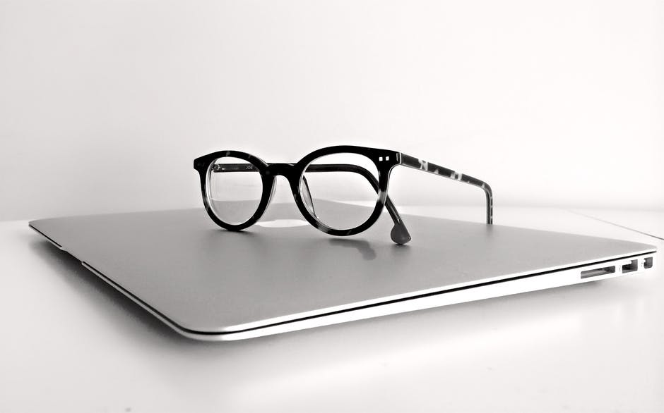 ブログ パソコン 眼鏡 運営報告