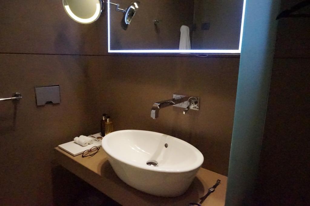 カタール航空ラウンジ 洗面所