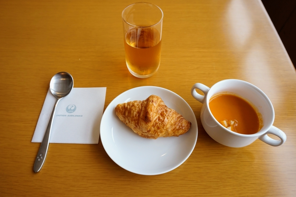 サクララウンジ内で朝食
