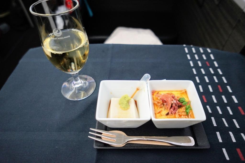 ビジネスクラス シャンパン 前菜 オードブル 和食