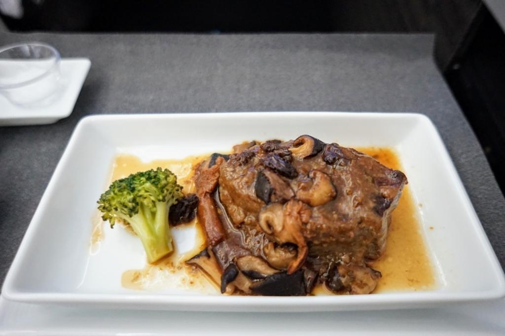 サーロインステーキ 洋食 牛肉 ビーフ 肉汁