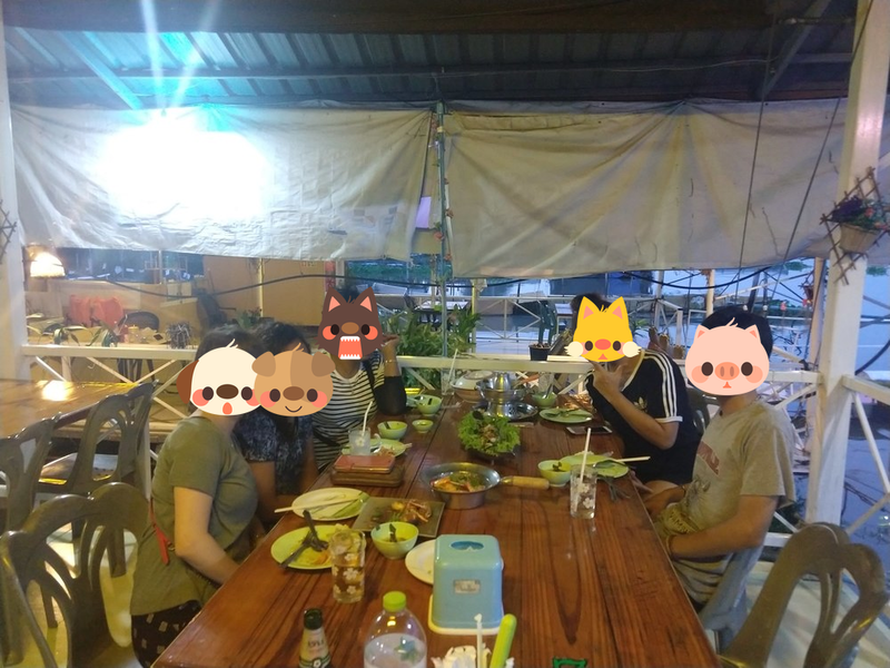 家族写真 タイ人