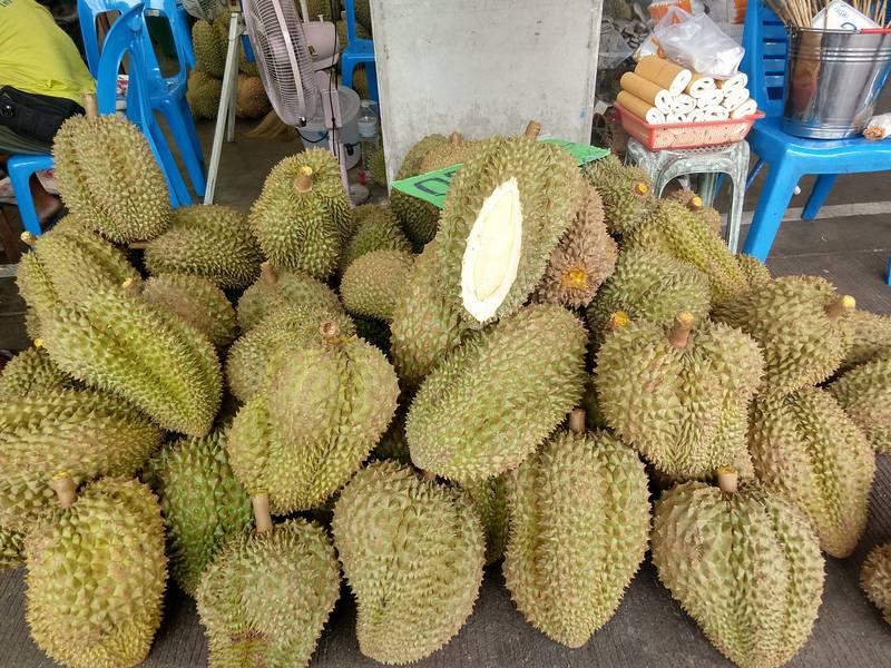 タイ 市場 ドリアン
