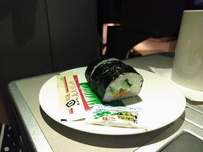 機内食 カリフォルニアロール