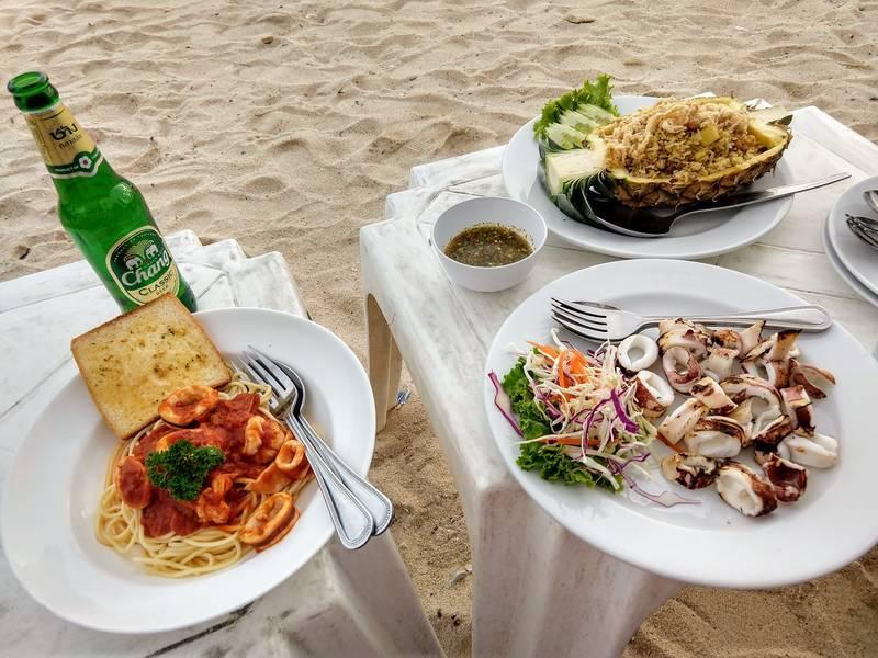 ビーチ 食事