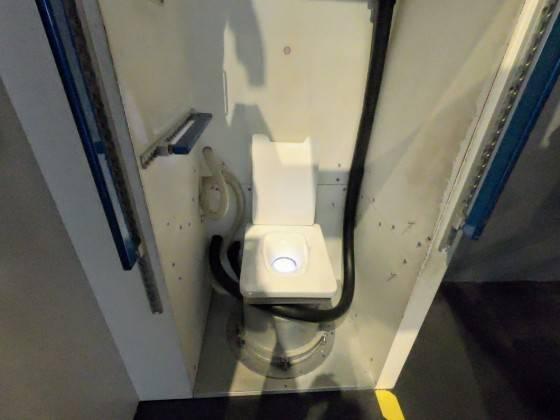 スペースシャトル トイレ