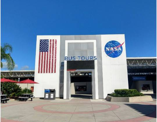ケネディ宇宙センター バスツアー