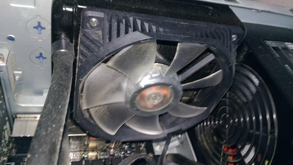 自作パソコンのケースファン交換5