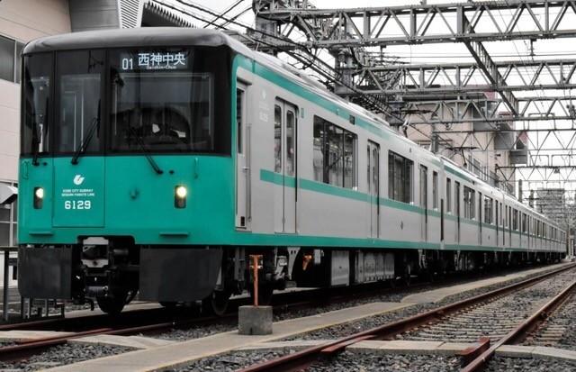 新型車両6000形お目見え 「快適性充実」神戸市営地下鉄、16日
