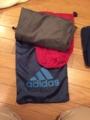 8.ブルーナイキの袋、茶色のカッパズボン