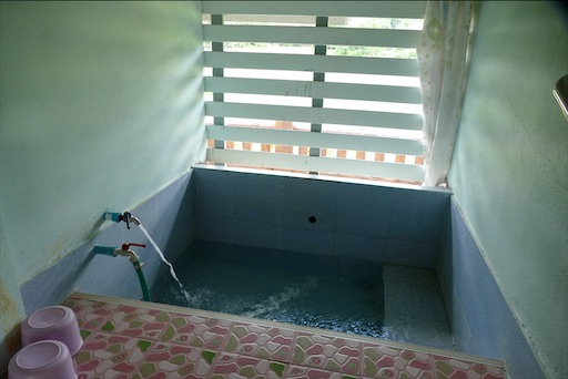 ドーイサケット温泉 シングルルーム70バーツ