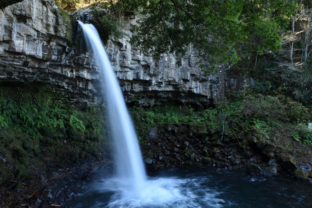 圧巻の萬城の滝
