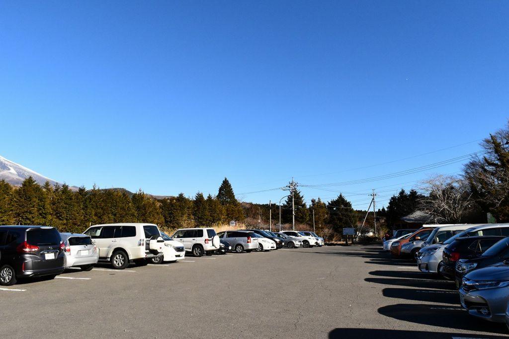 十里木高原展望台の駐車場