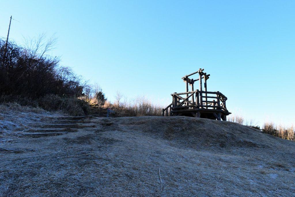 十里木高原展望へ続く登り坂