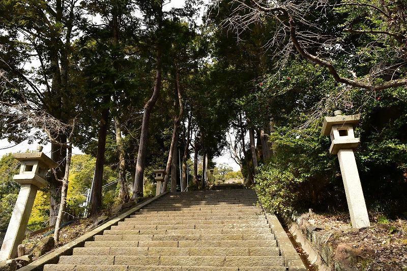 伊豆山神社の石段